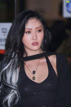 South Korean Girls, Korean Girl Groups, Mamamoo Kpop, Foto Gif, E Dawn, Model Face, Pretty People, Kpop Girls, Asian Girl