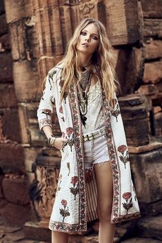 In White | Boho Chic Fashion Bohemian Queen Gypsy embroidery | Más