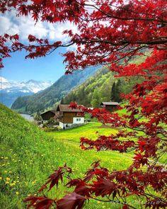 angelillo — Kaiserstuhl, Canton of Obwalden. Wonderful Places, Beautiful Places, Beautiful Pictures, Hogwarts, Austria, Montana, Destinations, Voyage Europe, World Pictures