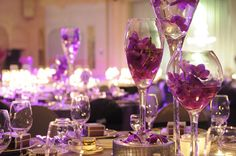 Stunning purple flower arrangements add a truly distinctive touch of glamor to weddings at The Ritz-Carlton, Seoul.