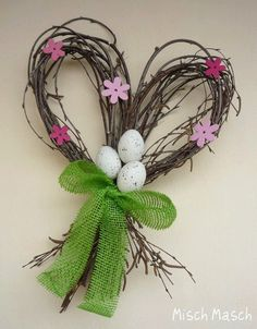 uniquely shaped folk prim shabby chic easter door wreath Misch Masch by Simona: . Easter Wreaths, Holiday Wreaths, Holiday Crafts, Easter Garland, Deco Floral, Arte Floral, Egg Decorating, Nature Crafts, Spring Crafts