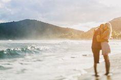 beach session, ensaio na praia, sabrina e ricardo, ensaio em camburi, casamento em camburi, fabio oliveira, destination wedding photographer, ensaio namorados, pre-wedding, tilt-shif, canon TSE 45 2.8, VSCO
