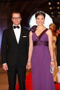 Los príncipes Victoria y Daniel de Suecia en la cena ofrecida por la reina Beatriz con motivo de la Investidura de Guillermo Alejandro y Máxima como reyes de Holanda el 29 de abril de 2013.