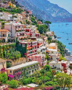 "Visit Positano | Official on Instagram: ""Buongiorno Positano!☀️🇮🇹 @visitpositano Grazie @pinkines ❤️ #positano #amalficoast #amalfi #italy_vacations"""