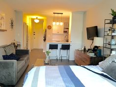 Melissa's Manhattan Studio Apartment Makeover — Makeover