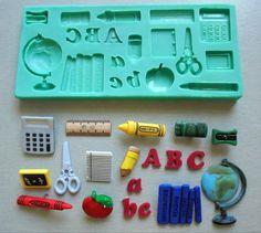 Silikon-Formenbau / Schule / Sugarcraft Cake von StaceyDecor