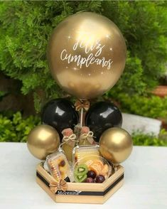 Candy Bouquet Diy, Food Bouquet, Diy Bouquet, Diy Birthday Box, Birthday Gifts, Baby Shower Balloons, Birthday Balloons, Balloon Decorations, Birthday Decorations