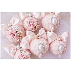 Персиковые шары ,разного диаметра 6,8 см Выполнены на заказ ✨ Иногда мне кажется,что каждый цвет шаров пахнет по своему ✨
