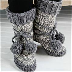 Ravelry: North Woods Slipper Boots pattern by DROPS design {FREE Pattern} Size L crochet hook Crochet Slipper Boots, Crochet Slipper Pattern, Crochet Slippers, Women's Slippers, All Free Crochet, Diy Crochet, Crochet Crafts, Crochet Projects, Crochet Granny