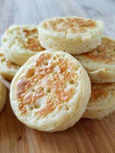 Find out who comes out top in the hunt for a perfect home-made crumpet recipe. I've tested three different recipes to help you narrow down your search! Crumpet Recipe, British Baking Show Recipes, Great Recipes, Favorite Recipes, Yummy Recipes, Tea And Crumpets, English Food, English Recipes, Great British Bake Off