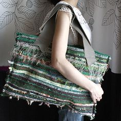 jita Homemade Bags, Handmade Handbags, Sewing Studio, Denim Bag, Tapestry Weaving, Loom Knitting, Fashion Bags, Lana, Purses And Bags