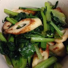 小松菜とちくわのおばんざい Japanese Dishes, Japanese Food, Seaweed Salad, Junk Food, Green Beans, Food And Drink, Vegetables, Cooking, Ethnic Recipes