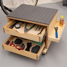 The tool storage stool can be made using pine plywood - or shutterply that you can buy at your local Builders Warehouse. Assemble the tool storage stool and then top off with some rubber mats to add a bit of comfort.