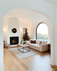 Home Interior Design, Interior Decorating, Interior Livingroom, Interior Modern, Villa, Spanish Style Homes, Home Living Room, My Dream Home, Home Remodeling