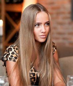 CHAMPAGNE OSCURO: Este tono es ideal para las chicas que quieren aclarar su cabello pero sin llegar a los extremos, algo sutil que se vea más natural. ............................................. Para chicas morenas