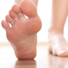 5 Good Home Remedies For Burning Feet