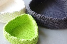 https://www.etsy.com/uk/listing/236637117/crochet-basket-pattern-triangle-baskets