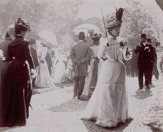 Paris fashion 1900's