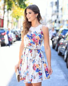 Bom dia domingo  De @doceflorsp estampa linda naquele modelo de vestido que a gente ama! ♥️