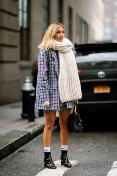 Plaid oversized jacket Best street style look from New… – Fashion Style Plaid oversized jacket Best street style look from New… Plaid oversized jacket Best street style look from New York Fashion Week Our Favorite Coats From The Streets of New York – M – Autumn Street Style, Street Style Looks, Look Fashion, Trendy Fashion, Fashion Trends, Trendy Style, Cheap Fashion, Dress Fashion, Fashion Boots