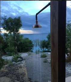 Outdoor Shower - Wilson's Cottage - Lizard Island - TWOFOLD STUDIO with James Davidson Architect