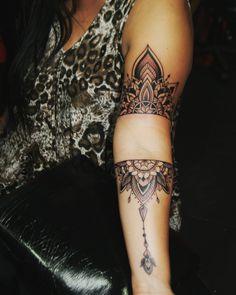 Tattoo mándala arm black n gray