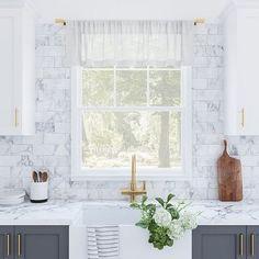 Kitchen Redo, Home Decor Kitchen, Kitchen Interior, Kitchen Remodel, Kitchen Ideas, Kitchen Staging, White Kitchen Backsplash, Backsplash Ideas, Kitchen Designs