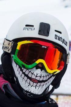 Na snímke prvá lyžovačka v stredisku Park Snow Donovaly v časti Záhradište. Donovaly, 3. decembra 2016. FOTO T