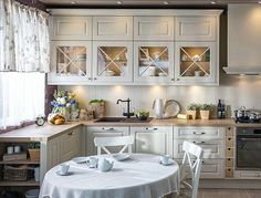 Once found only in the rear of the house, today's kitchen design takes the kitchen out the background. The challenge for kitchen design is in creat… Cozy Kitchen, Ikea Kitchen, Country Kitchen, Kitchen Dining, Kitchen Decor, Kitchen Cabinets, Kitchen Island, Classic Kitchen, Küchen Design