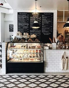Tatte Bakery In Boston - Nestled in Harvard Square, Tatte Bakery is a picturesque, black and white themed coffee shop that will have you itching for your camera just as much as the Pistachio croissants.Tatte Bakery, Cambridge 📷 perfect spot for a