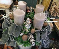 Christmas Advent Wreath, Christmas Decorations, Xmas, Table Decorations, 1 Advent, Christmas Décor, Holiday Decorating, Christmas Ideas, Elegant Christmas