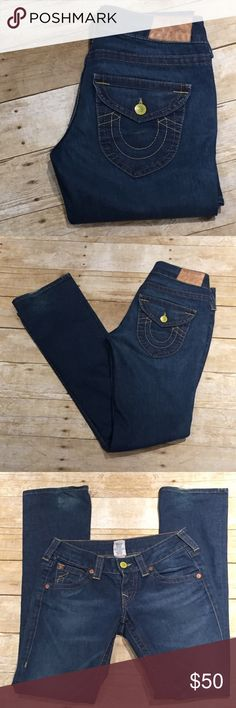 ❤️True Religion Straight Leg❤️ ❤️True Religion Straight Leg sz 27x34. These are in immaculate condition just minor fading on bottom of legs. BEAUTIFUL 😍😍 True Religion Jeans Straight Leg