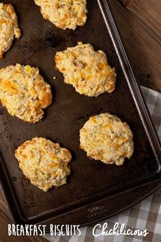 Breakfast Biscuits Recipe - Chichilicious.com Breakfast Biscuits, Sausage Breakfast, Breakfast Recipes, Breakfast Ideas, Bread Dough Recipe, Biscuit Recipe, Clean Eating Recipes, Cooking Recipes, Gluten Free Pastry