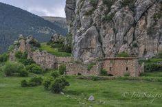Nordspanien: Industriebrachen, verlassene Dörfer und dem Verfall preisgegebene Häuser - irgendwie faszinieren mich Lost Places mit ihrer düsteren Schönheit.