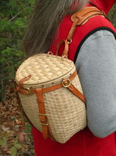 Maine Packbasket Purse worn over the shoulder showing shearling shoulder pad - brown ash, brass, leather - by Stephen Zeh - leather backpack purse, red purse, designer purses *ad Backpack Bags, Leather Backpack, Willow Weaving, Ethnic Bag, Bags 2017, Summer Bags, Shoulder Pads, Louis Vuitton Handbags, My Bags