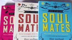Yay! Mijn nieuwe beauties zijn binnen precies op tijd voor de #soulmatesreadalong die volgende week begint! Kan nu al niet wachten om te starten met lezen.Daarnaast lijkt me de Scavenger Hunt ook heel leuk om te doen :D  #soulmates #jossstirling #soulmatesisback #blossombooks #spreadthebooklove #ya #youngadult #bovennatuurlijk #romantiek #darkromance #verhaalvansky #verhaalvanphoenix #verhaalvancrystal #aanwinsten #boeken #bookstragram #instabooks