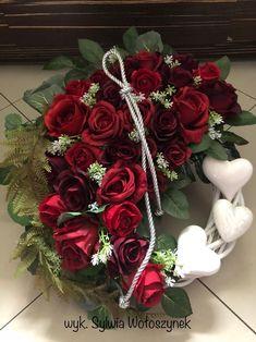 Kompozycja nagrobna 2018 wyk. Sylwia Wołoszynek Grave Decorations, Funeral Flowers, Summer Wreath, Quilling, Floral Arrangements, Christmas Wreaths, Valentines, Holiday Decor, Diy
