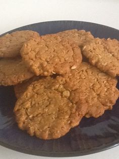 Forum Thermomix - The best community for Thermomix Recipes - CWA Anzac Biscuits (cookies) Anzac Biscuits, Kneading Dough, Homemade Muesli, Biscuit Cookies, Banana Split, Something Sweet, Desert Recipes, Baking Pans, Food Items