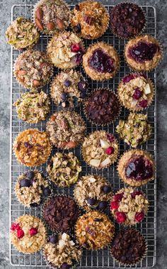 Easy baked oatmeal muffins are a delicious meal prep breakfast or snack on the go. They are easily made gluten-free and vegan, are freezer-friendly, and are customized with seven different flavor variations so you'll never get bored! Lunch Snacks, Healthy Breakfast Recipes, Healthy Recipes, Breakfast Ideas, Healthy Muffins, Eat Breakfast, Healthy Snacks, Teacher Breakfast, Diabetic Snacks