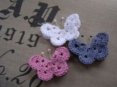 Halager: Hæklet sommerfugl Beau Crochet, Crochet Yarn, Hand Crochet, Sewing For Kids, Diy For Kids, Diy Couture, Craft Bags, Beautiful Crochet, Crochet Animals