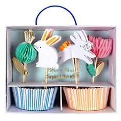 This Easter Cupcake Decorating Kit for 24 includes blue striped baking cups; and cupcake picks featuring blue flower, pink flower, and bunny attachments. Make the cupcakes for your Easter party look extra cute with this kit! Easter Bunny Cupcakes, Cute Cupcakes, Themed Cupcakes, Babyshower Party, Ostern Party, Cake Decorating Kits, Bunny Party, Bunny Birthday, Party Decoration