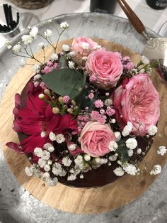 Catering, Floral Wreath, Wreaths, Cakes, Inspiration, Decor, Pink, Fine Dining, Real Flowers