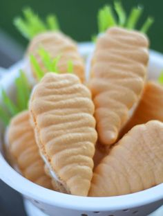 How to make Carrot Macarons.. perfect for Easter!