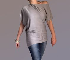 Blouses met korte mouwen - Wide Asymmetric Short Sleeved Blouse - Een uniek product van danykostova op DaWanda
