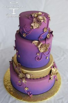 How does one make a cake that TAKES the cake? Now that wedding cakes are being substituted and reinvented a la candied apples, churros and donut towers, I thought to sit down with top cake baker and owner, Lachlan Oliver, owner of Heaven Sent Purple And Gold Wedding, Purple Wedding Cakes, Wedding Cakes With Flowers, Beautiful Wedding Cakes, Beautiful Cakes, Amazing Cakes, Lilac Wedding, Chic Wedding, Fall Wedding