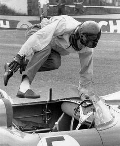 How real race car drivers start the race. Dan Gurney. Nürburgring, 1959.