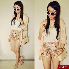 Love super cute summer outfit!!