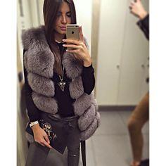 Instagram photo by @hanna_corovic via ink361.com Fur Fashion, Love Fashion, Fashion Outfits, Womens Fashion, Fabulous Furs, Autumn Winter Fashion, Winter Style, Fall Winter, Urban Chic