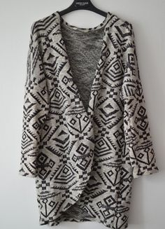 Kup mój przedmiot na #vintedpl http://www.vinted.pl/damska-odziez/kardigany/20289902-kardigan-we-wzory-luzny-rozmiar-s-ca