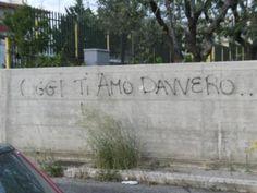 amore gridato sui muri scritte